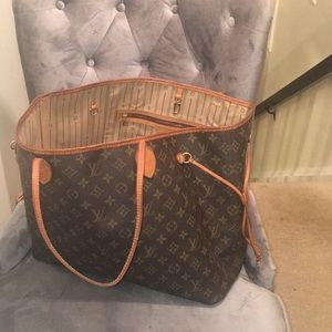 Handbags - Neverfull Gm Reserved Donot purchase